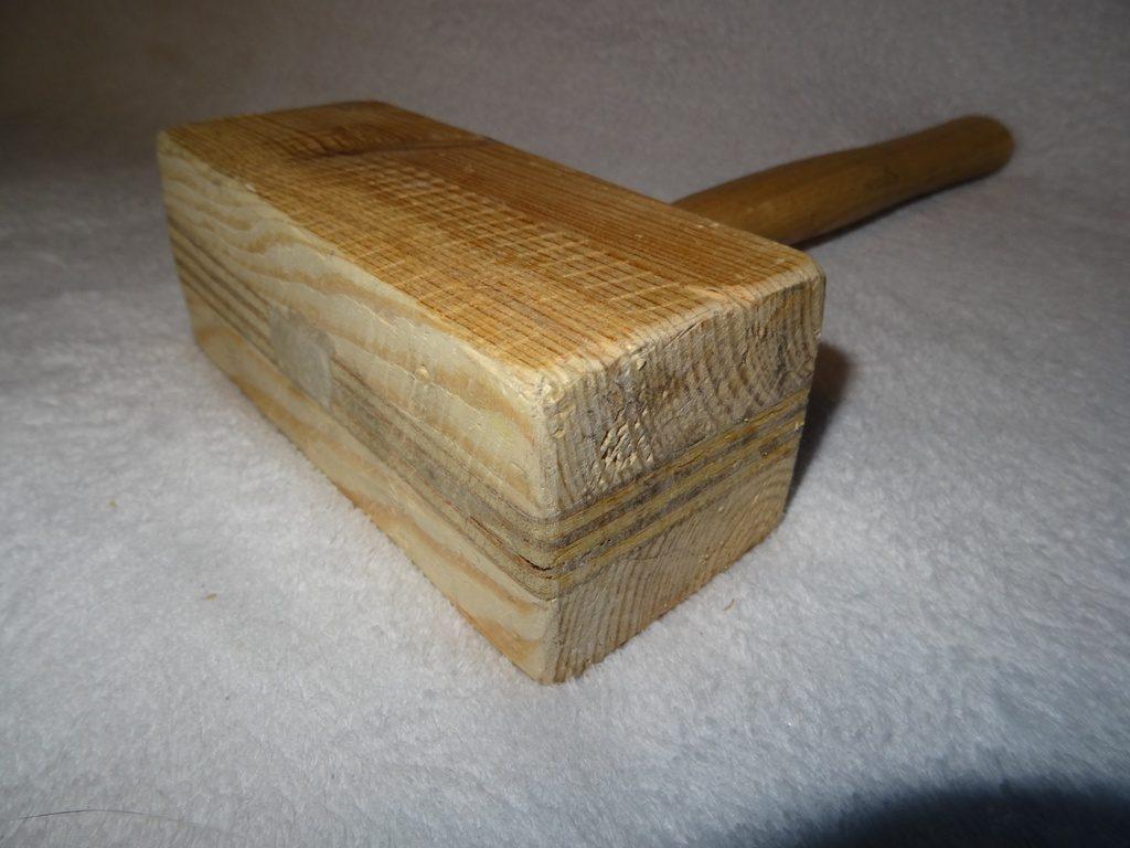 maillet en bois fini