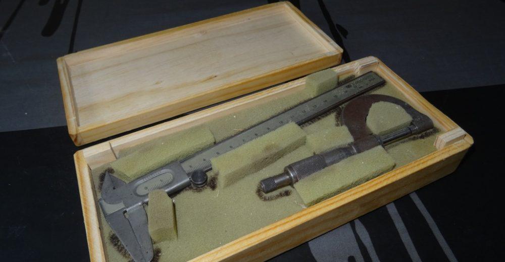 Boite de rangement en bois pour micromètre