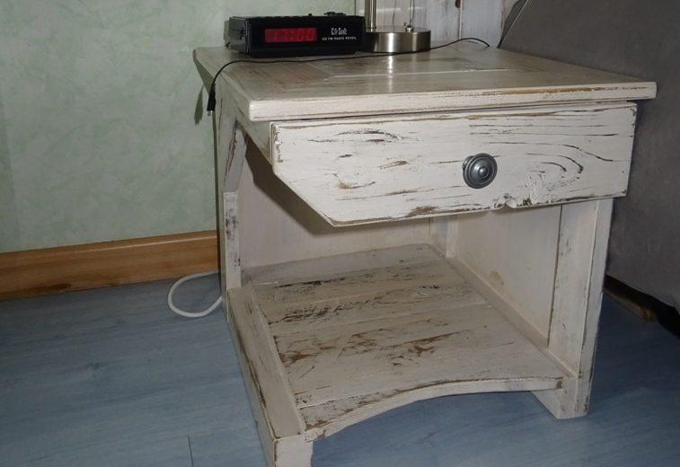 Deux tables de chevet en bois de palette – 2/2